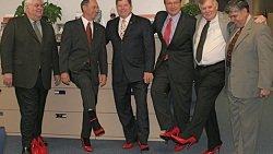 Необычная мужская обувь может ввести