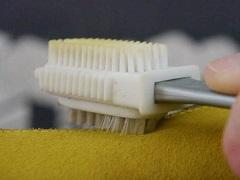 Как почистить замшевую обувь в домашних условиях